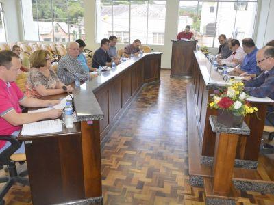 Projetos aprovados em discussão final