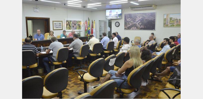 Trabalhos legislativos na sessão de 26 de fevereiro